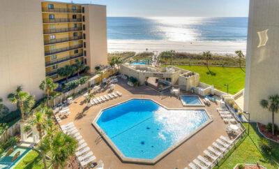 NEW! Studio condo on the BEACH – stunning view, nearby restaurants & FREE Chairs
